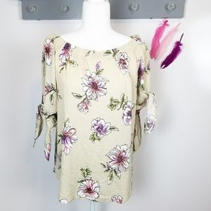 Sz L Staccato Floral Off the Shoulder Top